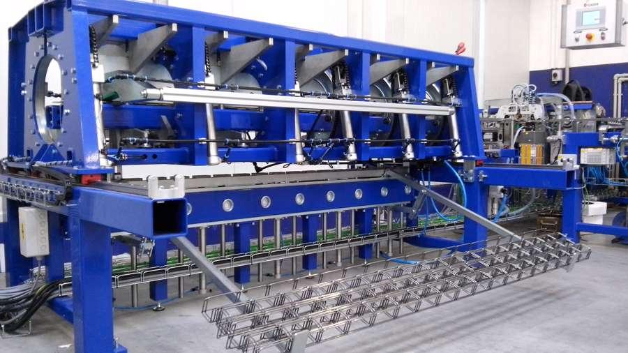 Firma-předala-zákazníkovi-Linku-MKZ-500-na-výrobu-žlabů-MERKUR-50×50-a-100×50-1