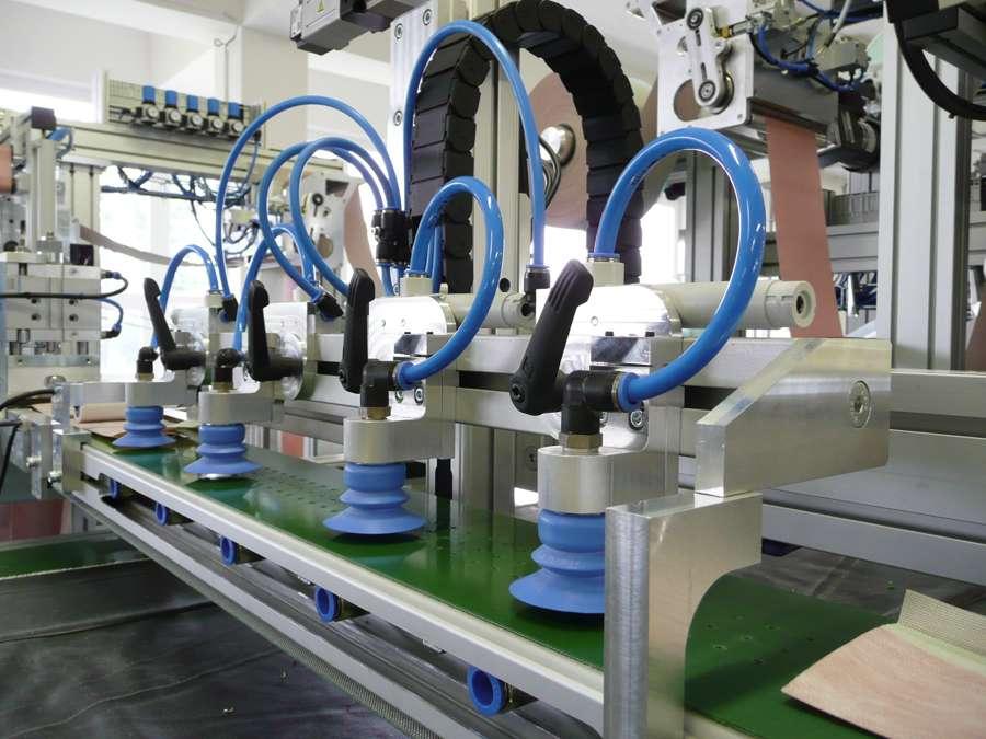 Montáž-elektro-výzbroje-a-rozvodu-pneumatiky-na-lince-KLM-II-1