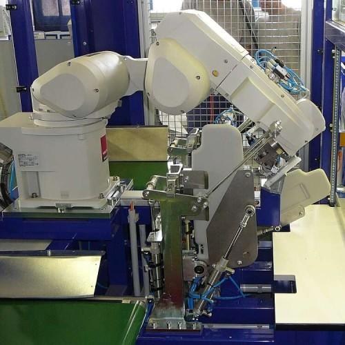 V současné době probíhají programové úpravy  pro optimalizaci výrobního taktu u robotického pracoviště LC 2000.