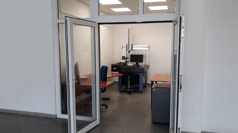 Nově nabízíme 3D ruční, souřadnicové měření strojem CRYSTA‐Plus M574 v rozsahu 500 x 700 x 400 mm.
